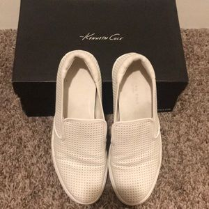Kenneth Cole white leather slip ons